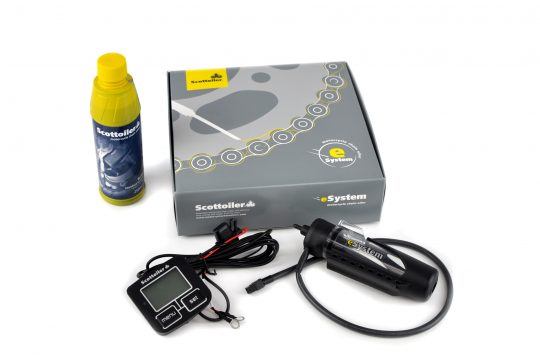 SCOTTOILER-ESYSTEM-ELECTRONIC-MOTORCYCLE-CHAIN-OILER-SCOTTOIL-RMV-CHAIN-CLEANER