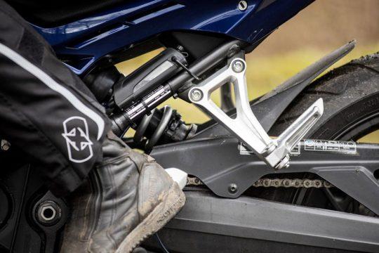 scottoiler-automatic-chain-oilers-xsystem-on-motorbike
